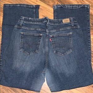 Women's 580 Levi Jeans size 18M